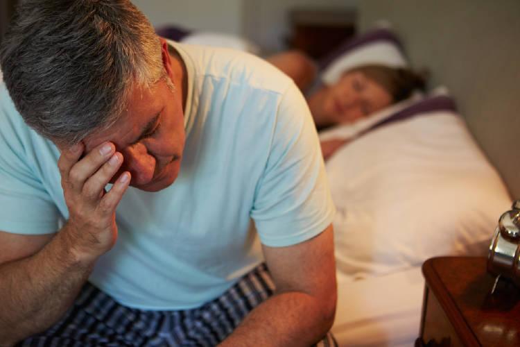 Despertarse a la noche para ir al baño se relaciona con la alta presión arterial