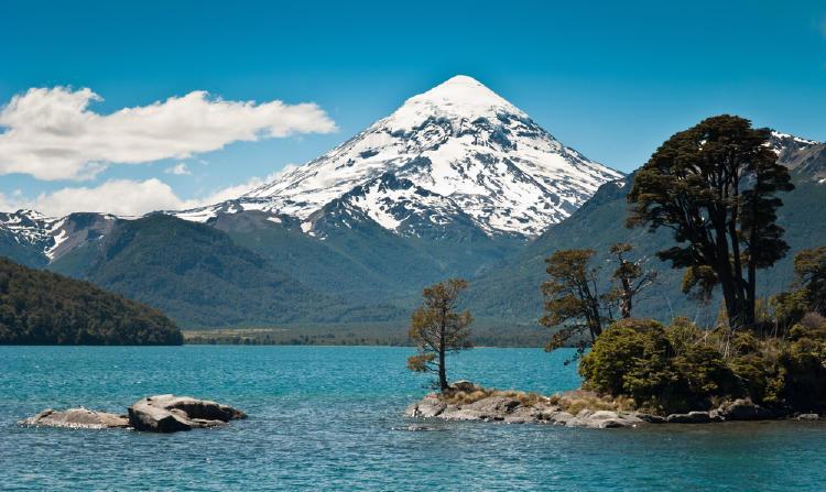 Volcán Lanin, en Argentina.