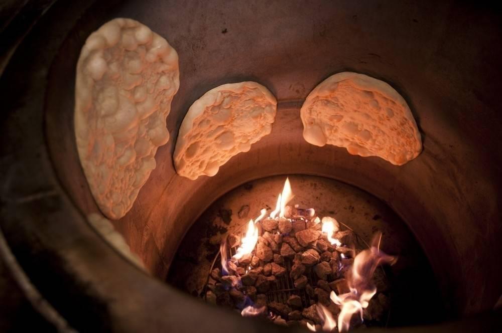 Cómo confeccionar un horno tandoor para el jardín con macetas de cerámica