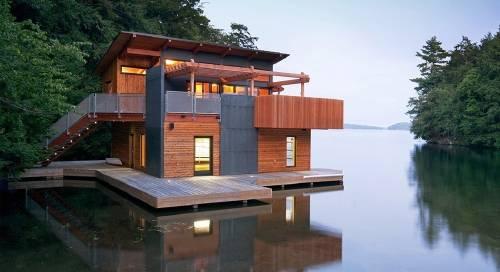 Una acogedora y moderna casa flotante para inspirarse
