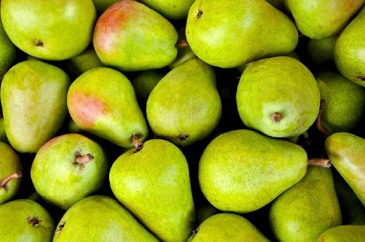 Jugo de pera y plátano para la gastritis