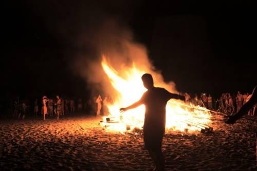 Ofrendas para el fuego de San Juan