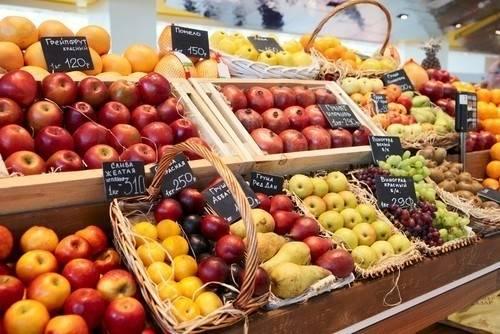 ¿Sirve lavar y pelar la fruta para eliminar los agrotóxicos?