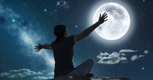 Luna llena en Escorpio: qué representa y mediante qué rituales podemos aprovecha