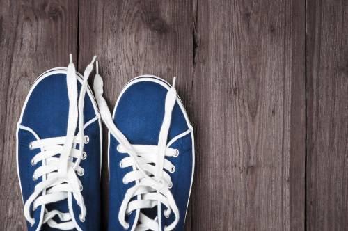 Cómo eres en tus relaciones según la forma en que amarras tus zapatillas