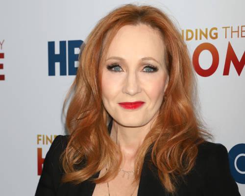JK Rowling superó el COVID-19 y compartió una técnica para evitar la neumonía