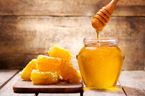 Los superpoderes de la miel para mejorar los síntomas del resfriado común