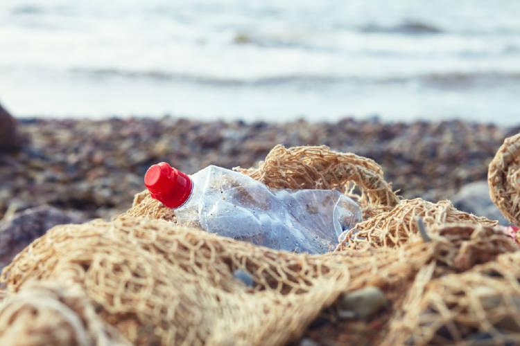 redes pesca plastico