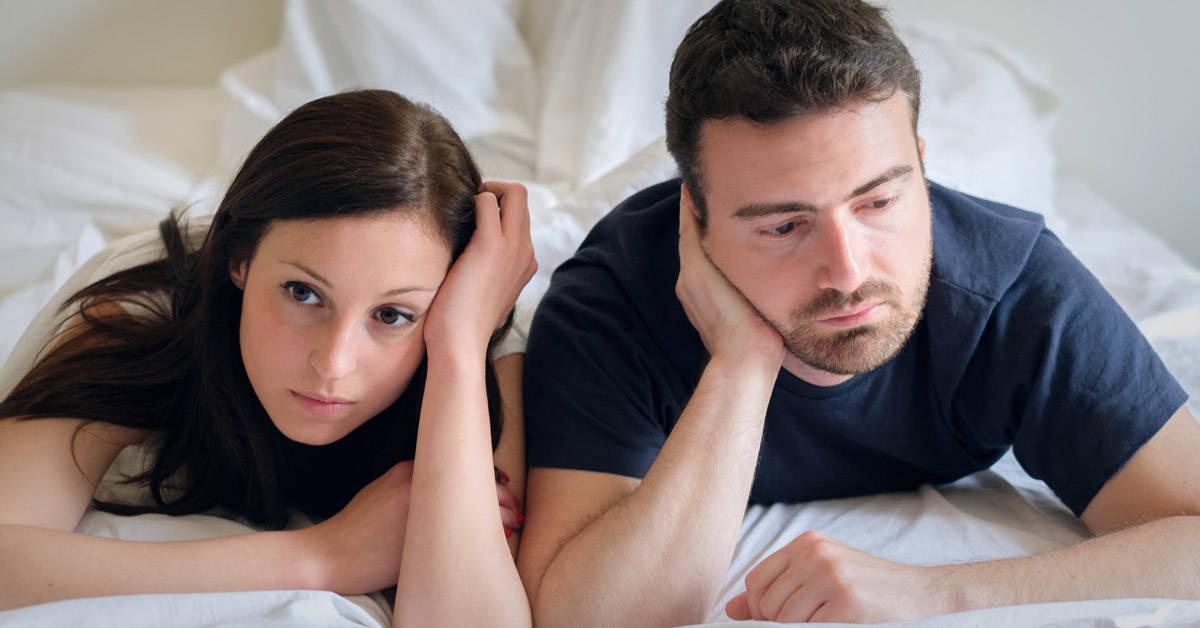 ¿Quieres hablar de tu intimidad con tu pareja y no te animas? Lee estos consejos