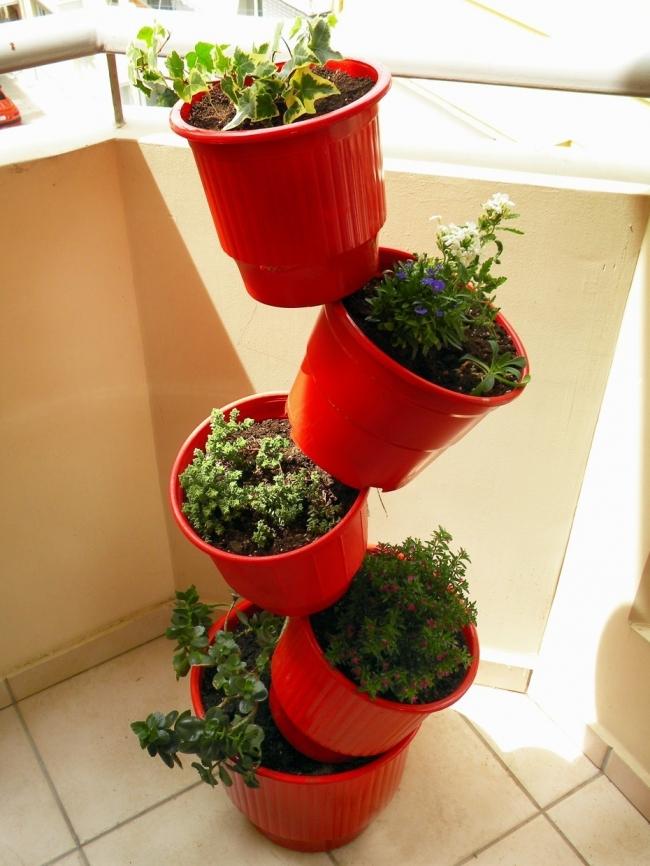 12 ideas para montar jardines verticales - Macetas para jardines verticales ...