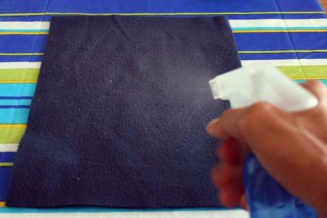 Pantallas para lámparas con cajas de huevos de cartón-http://www.labioguia.com/wp-content/uploads/2013/09/Paso-4.jpg