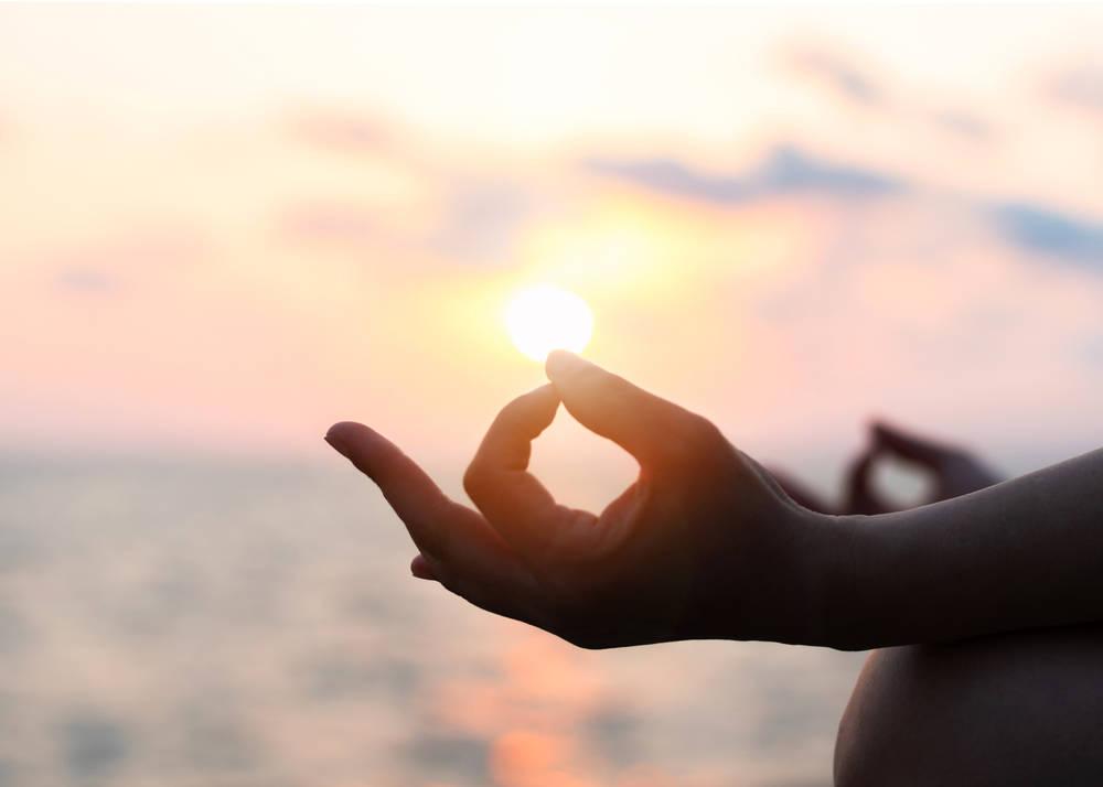 Meditación cuántica: ¿De qué se trata y cómo practicarla?
