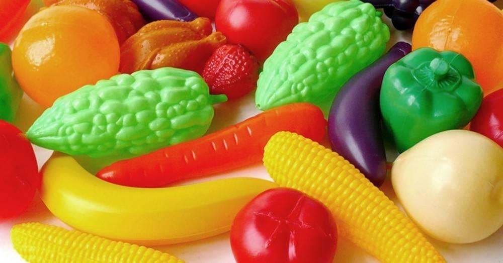 En promedio, todos comemos 70.000 trocitos de plástico al año