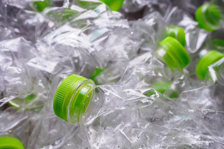 Botellas de plástico listas pare el reciclaje