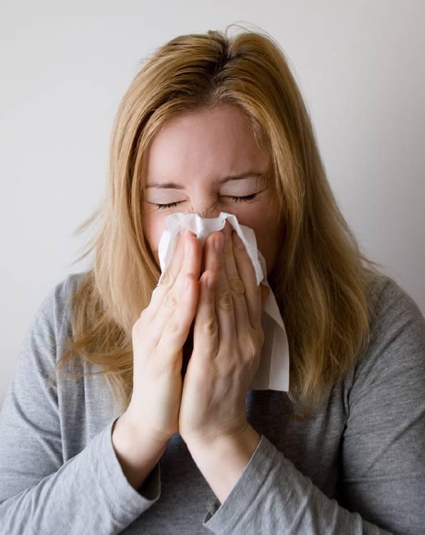 Morderte las uñas puede causar resfriados