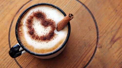 Agrega canela a tu café y tu cuerpo te lo agradecerá