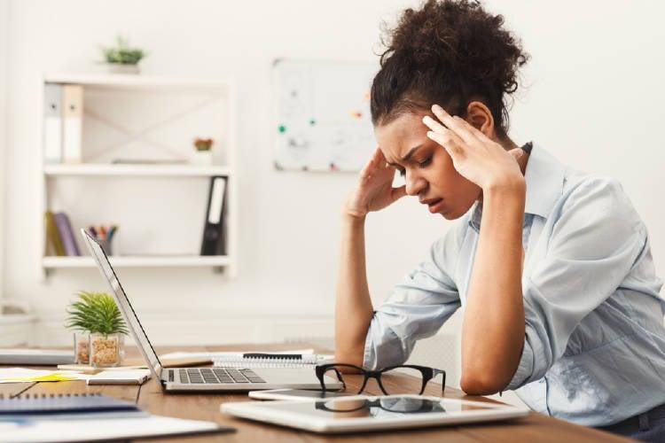 mujer estres trabajo