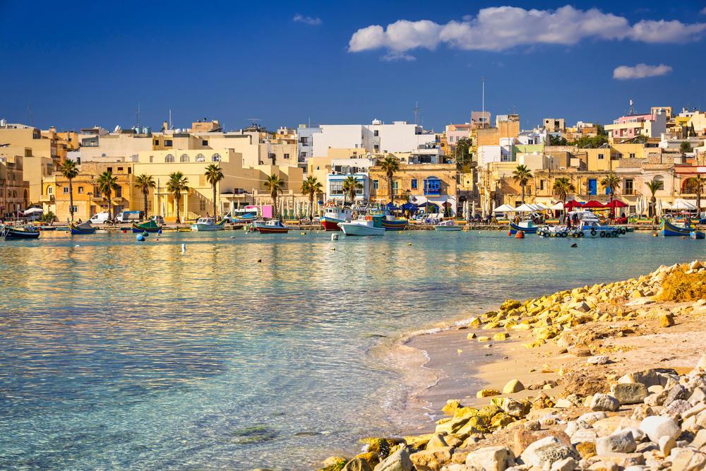 """Este es el país del Mediterráneo que les """"pagará"""" a los turistas que pasen allí sus próximas vacaciones"""