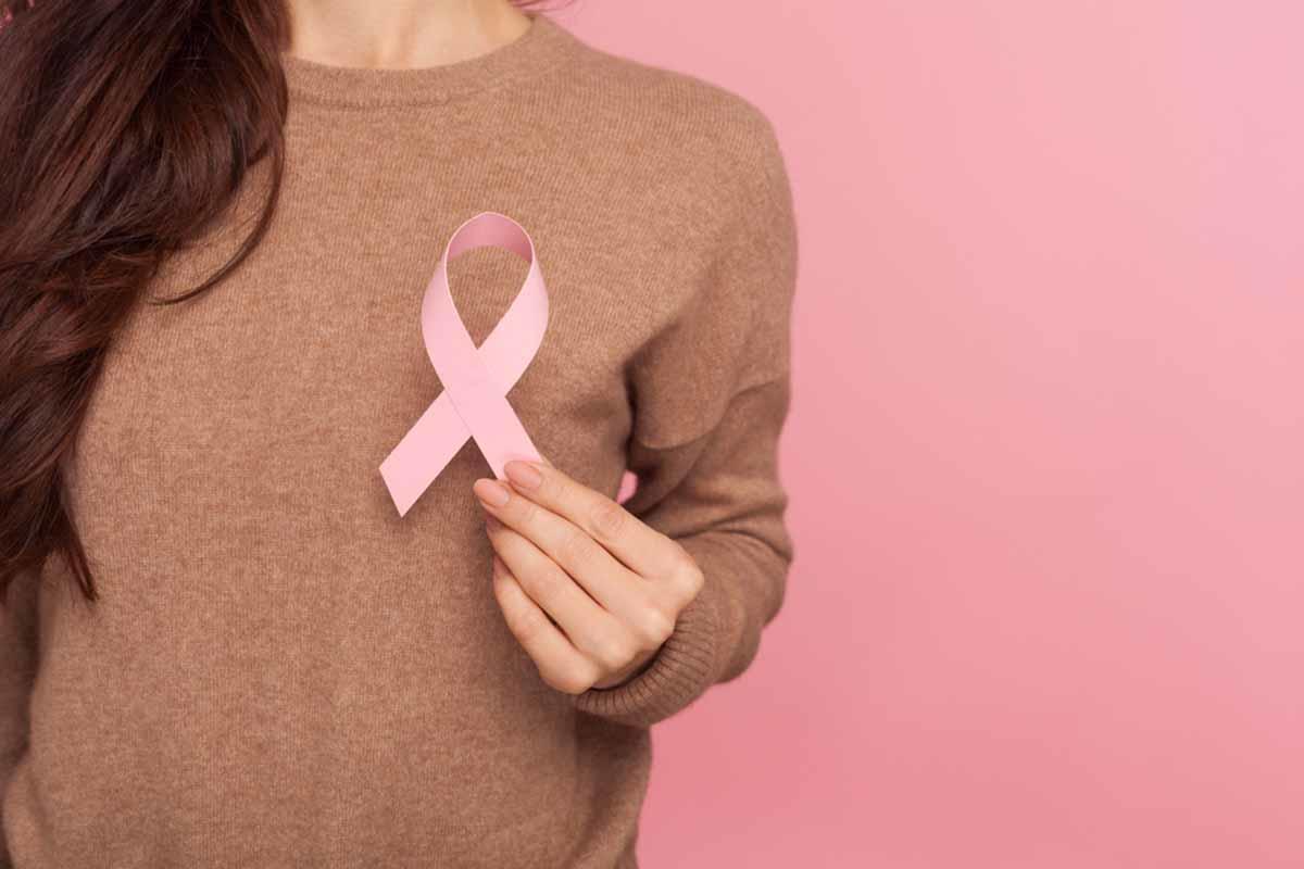 El cáncer de mama supera al de pulmón como la variante más común de la enfermeda