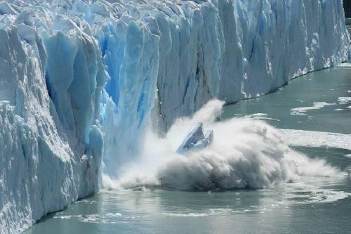 """El """"inquietante"""" hueco masivo hallado por la NASA en un glaciar de la Antártida"""