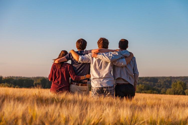 Cómo puedes escoger sabiamente a tus amigos según Aristóteles
