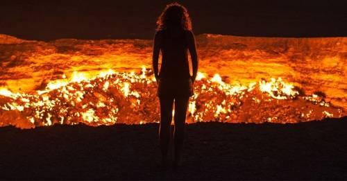 """¿Qué es esta \""""Puerta del Infierno\"""" misteriosa que arde en Asia sin parar?"""