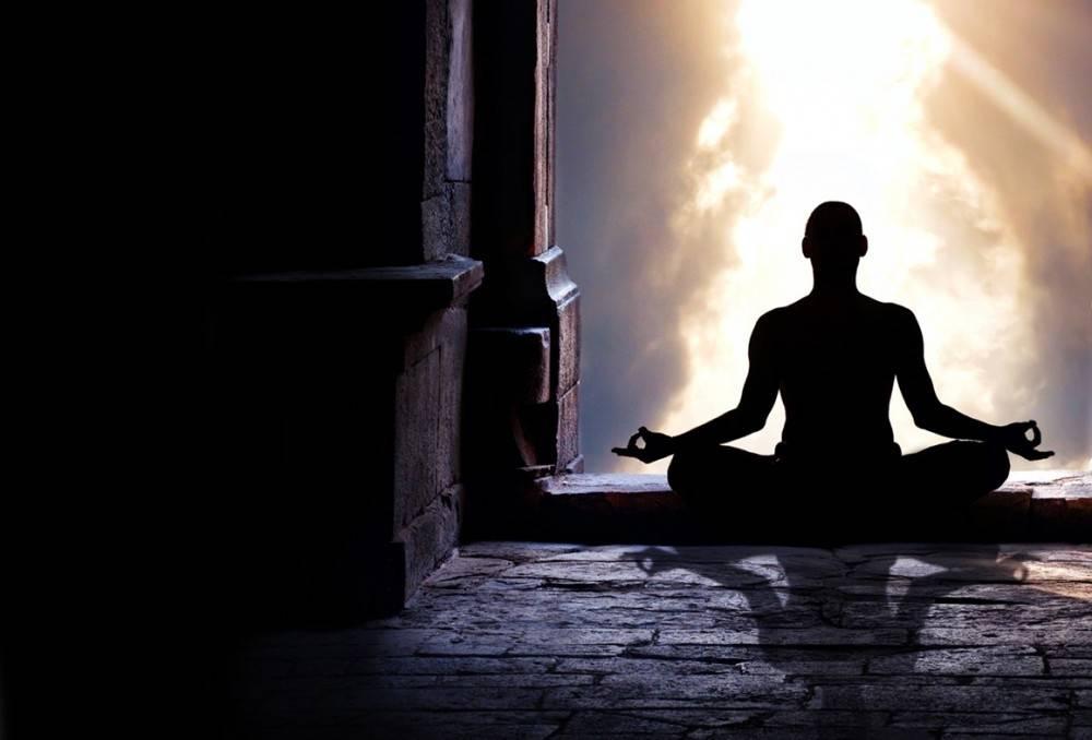 4 cosas que siempre quisiste preguntarle a un maestro de yoga