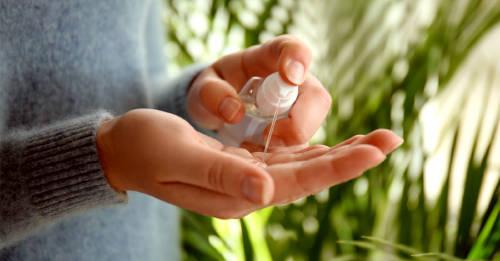 Haz tu propio gel antibacterial para manos con ingredientes naturales