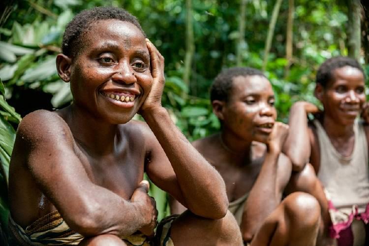 mujeres indígenas baka congo africa