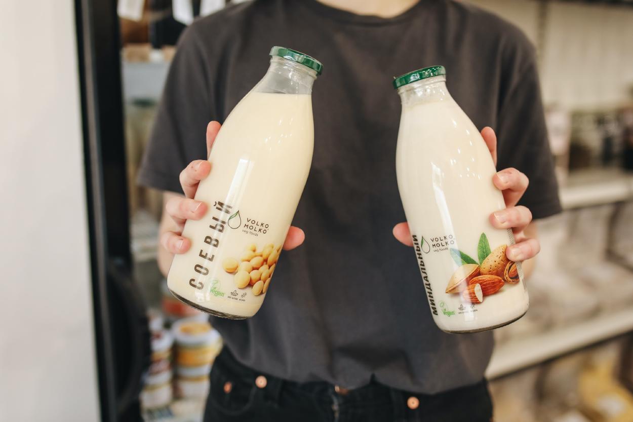 Leche de soya o leche de almendras: ¿Cuál conviene escoger?