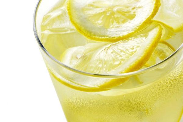 Beneficios-de-beber-agua-de-limon-2