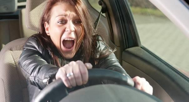 6 maneras de perder el miedo a conducir y ganar confianza frente al volante