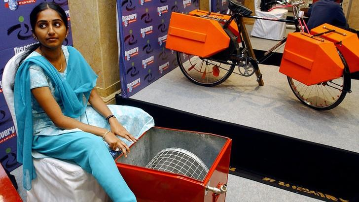 India: una adolescente creó una lavadora a pedal con solo 14 años