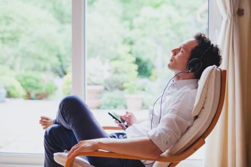 Así es como la música puede reducir el estrés y los síntomas de ansiedad
