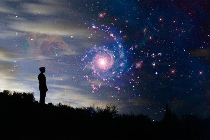 El universo tiene alrededor de 10 mil millones o 1010 años