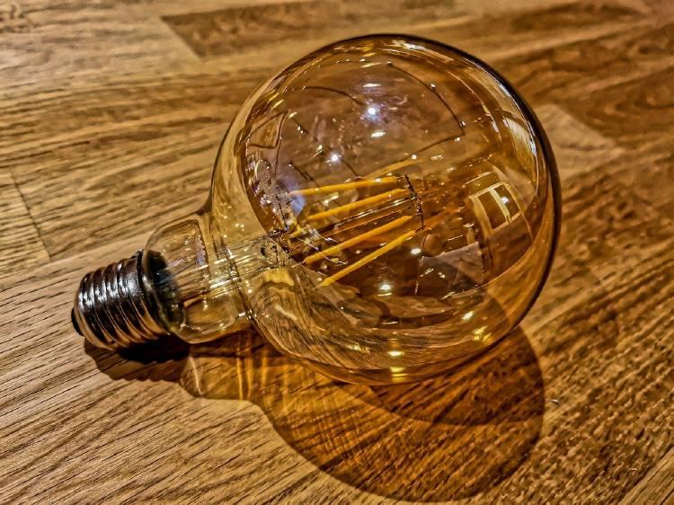 light-bulb-4655591_1280