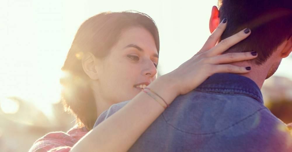 """7 frases más poderosas que \""""te amo\"""" que tu pareja quizás querría escuchar"""