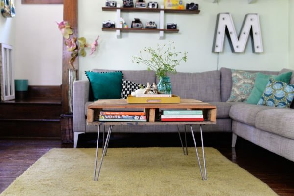 hairpin-leg-pallet-table-DIY-1024x682