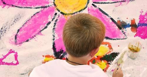 10 emociones y habilidades que tus hijos pueden expresar gracias al arte