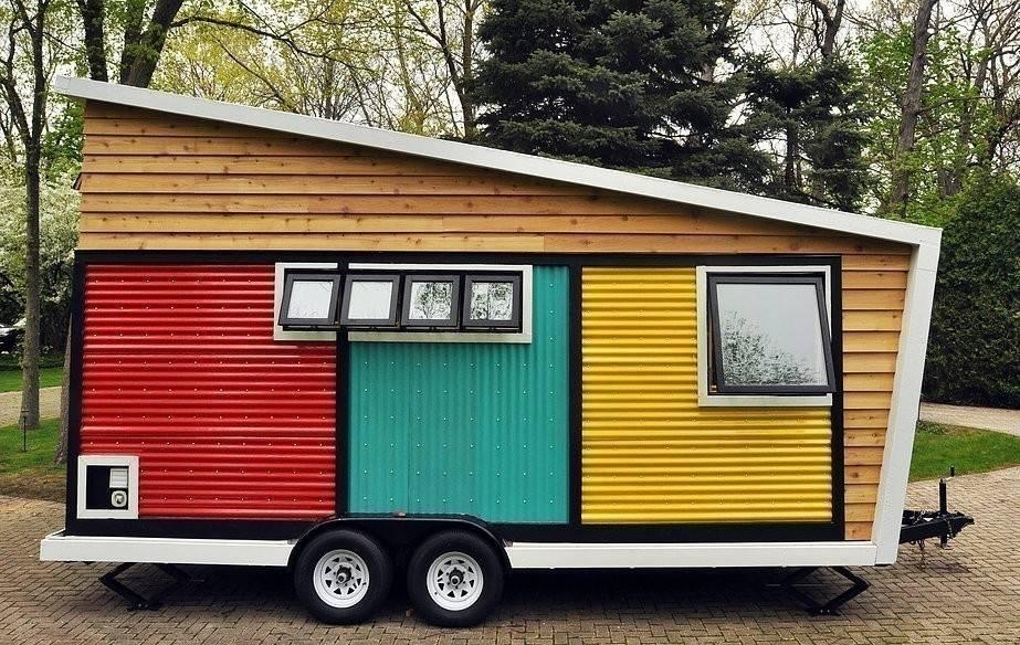 Una multifuncional casita sobre ruedas que parece una obra de arte