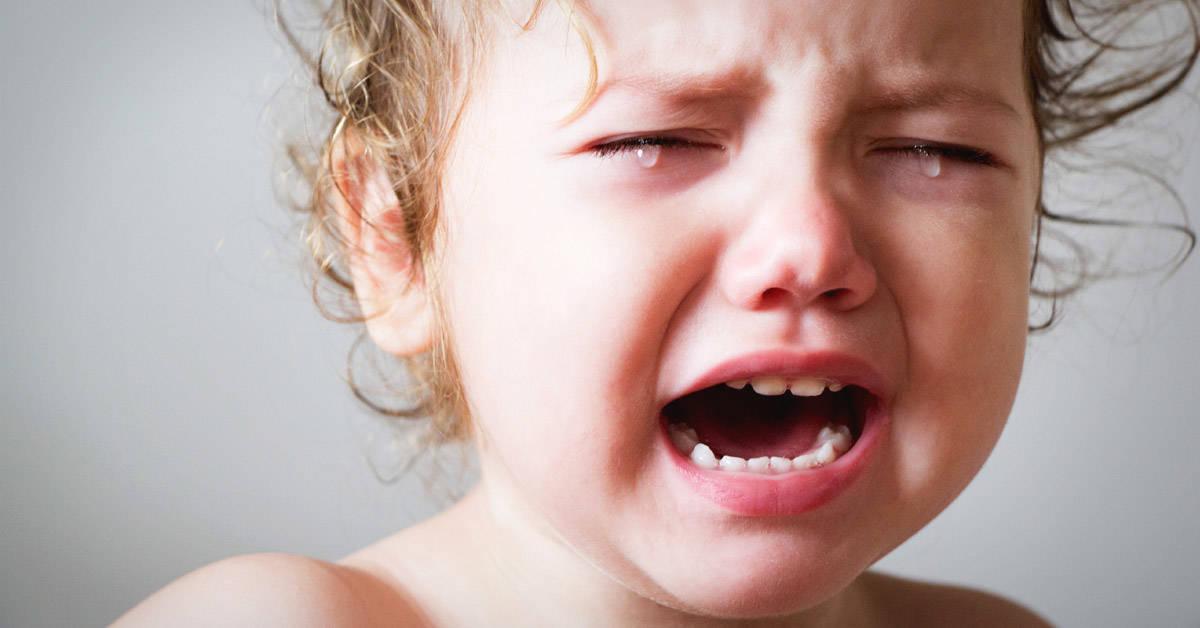 """Reemplaza el """"no llores"""" por estas frases más amorosas para calmar a tu hijo"""