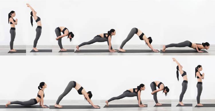 mujer practica una secuencia de yoga llamada saludo al sol