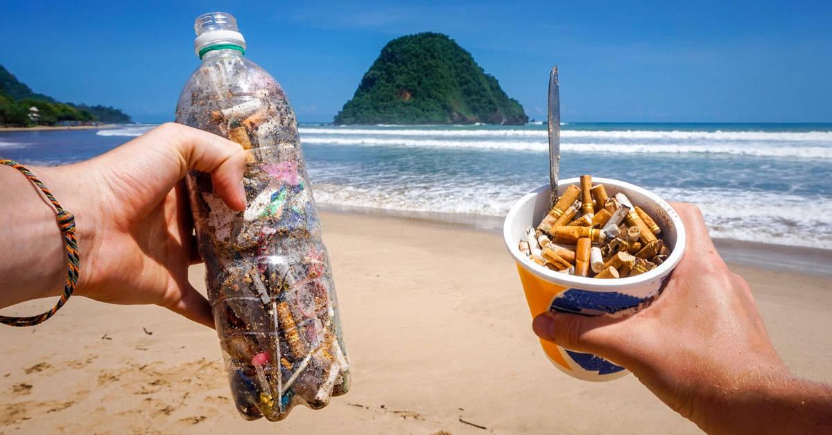 Crean una tabla de surf con 12.000 colillas de cigarrillo