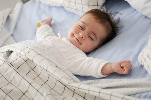 sueño dormir baby bebé shutterstock_420756877