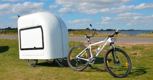 Una caravana que puedes llevar en la bici para irte de viaje y dormir adonde sea