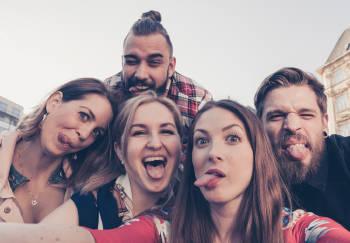 selfie grupo de chicos