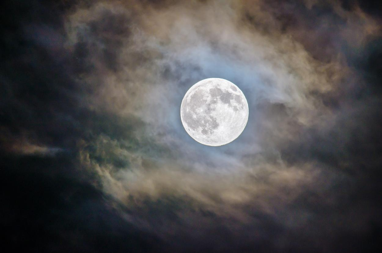 20 datos curiosos acerca de la luna que te dejarán sorprendido