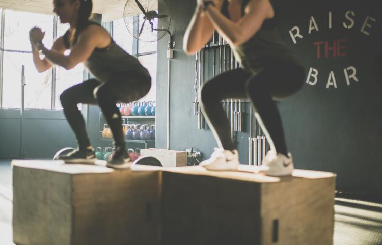ejercicios para piernas y glúteos en casa