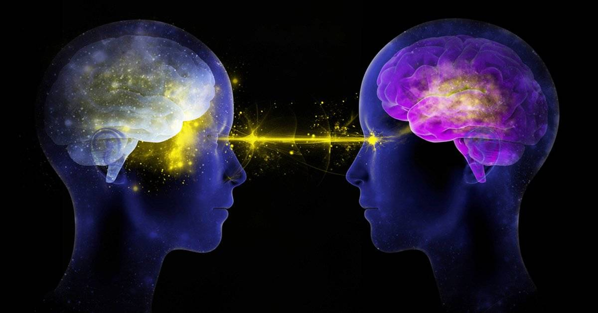¿Sientes que hablas con alguien cuando sueñas? En realidad se están comunicando