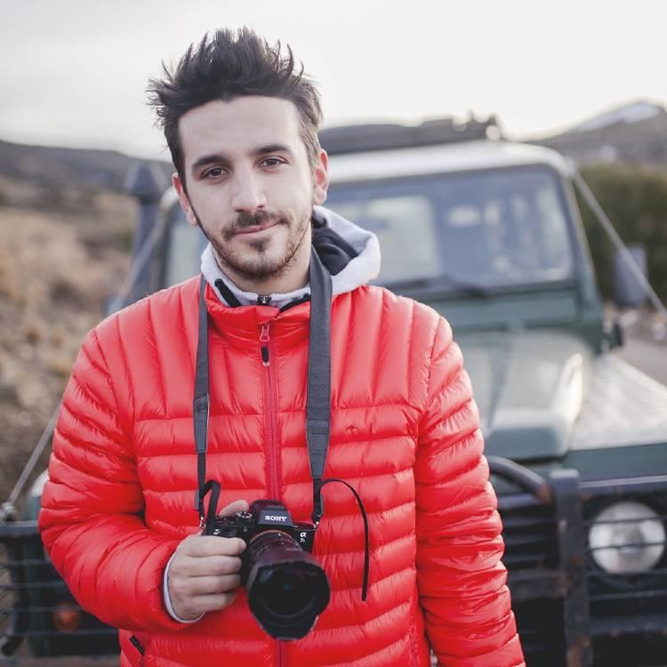 Gonzalo Granja con su cámara